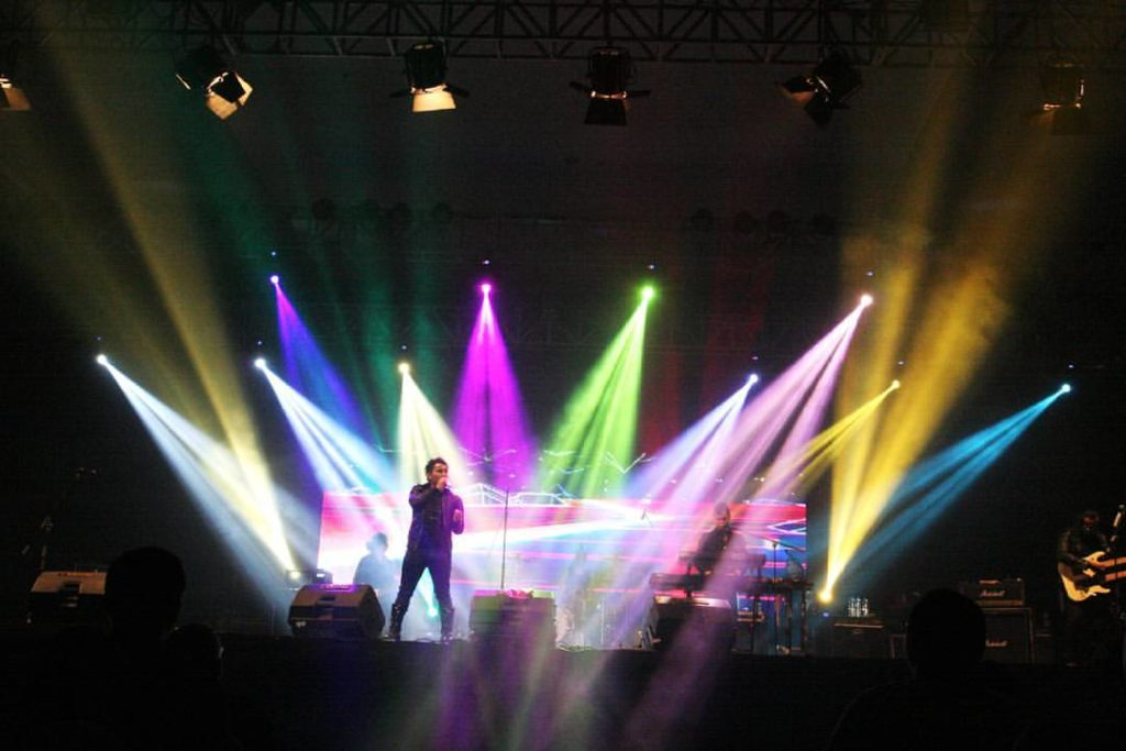 7 jenis lighting untuk stage lighting
